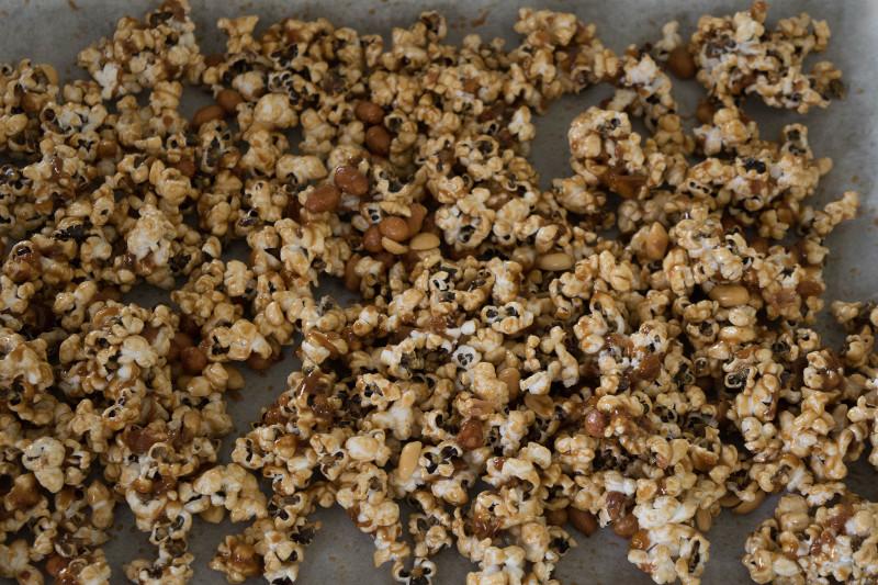 cooling caramel popcorn