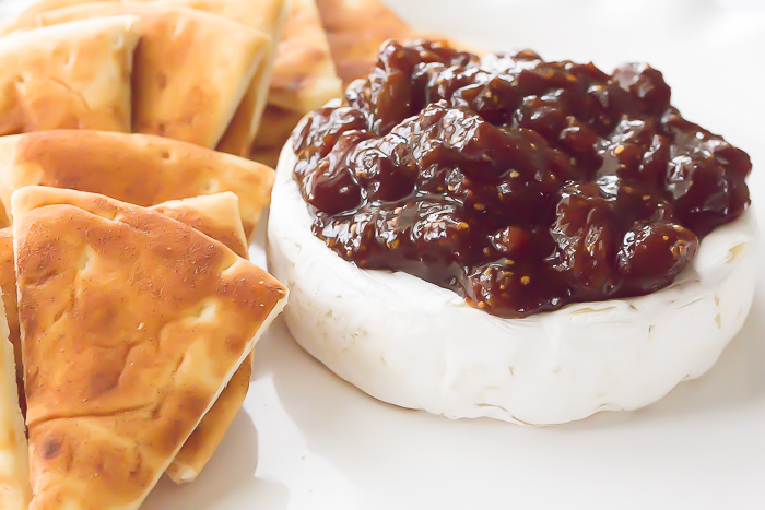 baked brie with basalmic fig preserves