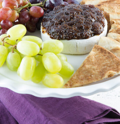 Baked Brie with Balsamic Fig Preserves: Perfect for Holiday Entertaining