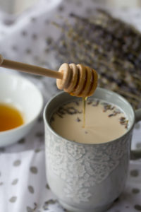 sothing earl grey latte with lavender and honey